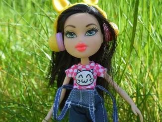 bratz-doll-1406953_1280