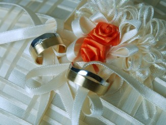 gold-wedding-rings-1434866_1280