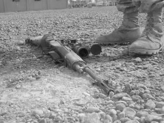 soldier-gun-780342_1920