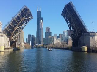 Chicago-bridge-991931_1920