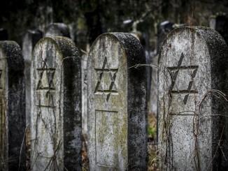 tombstone-1558673_1920